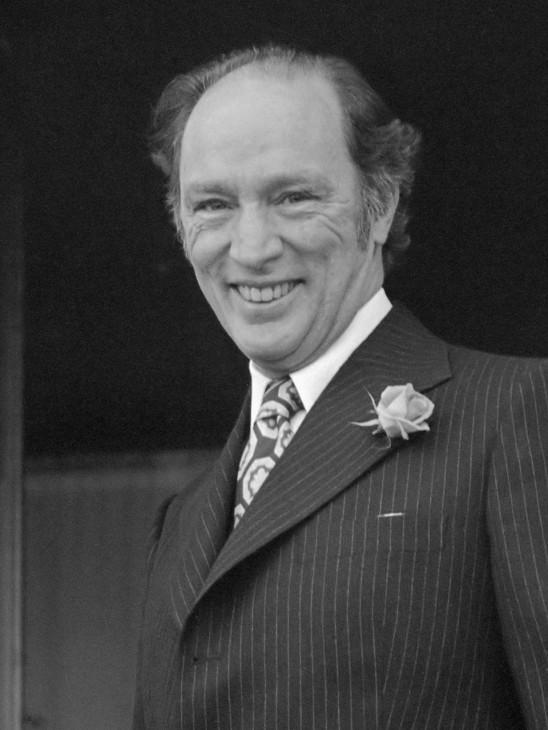 Hare Majesteit ontvangt premier Trudeau op Paleis Soestdijk*27 februari 1975